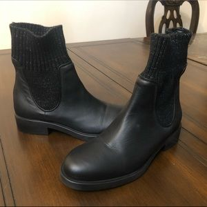 Barneys New York Black Boots Made in Italy Sz 36